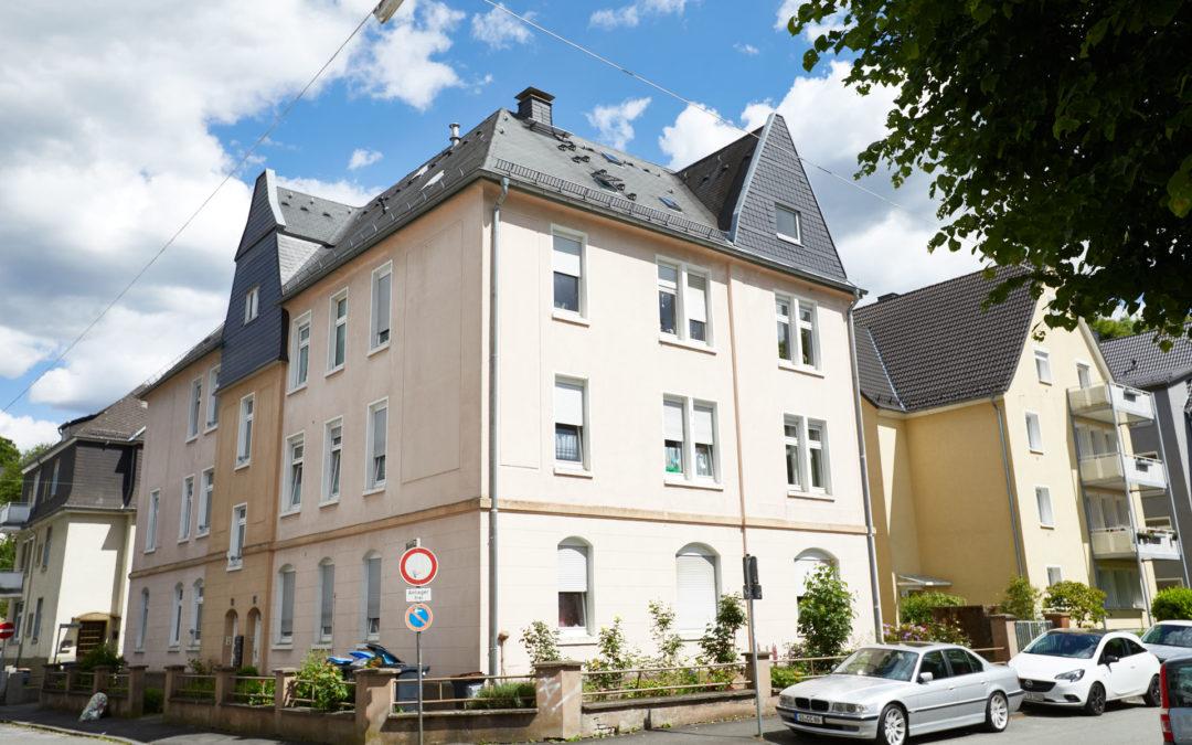 Elisabethstraße 13, 15, Sanierung von Dach und Fassade, Erneuerung von 6 Balkonen